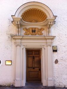 doorcase1